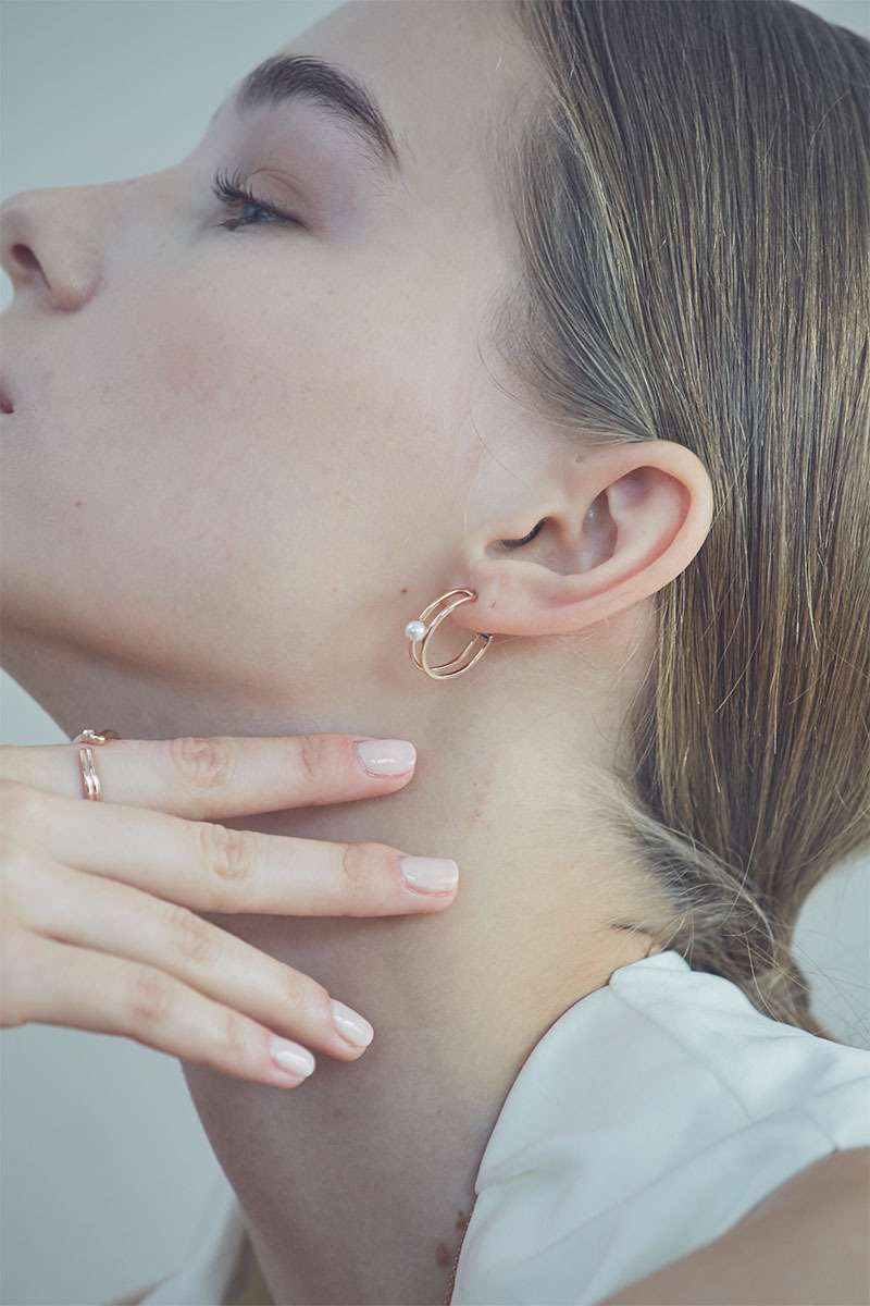 Double Lined Hoop Earring (박아인 착용)