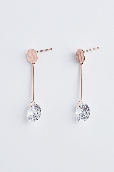 Hammering Big Stone Bar Earring (정유진,곽선영 착용)
