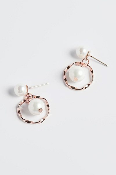 Petit Round Pearl Earring