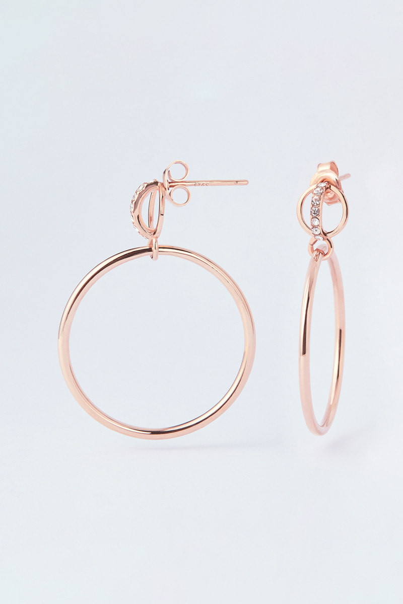La Liaison Hoop, with Petite Ring Earring (윤소희 착용)