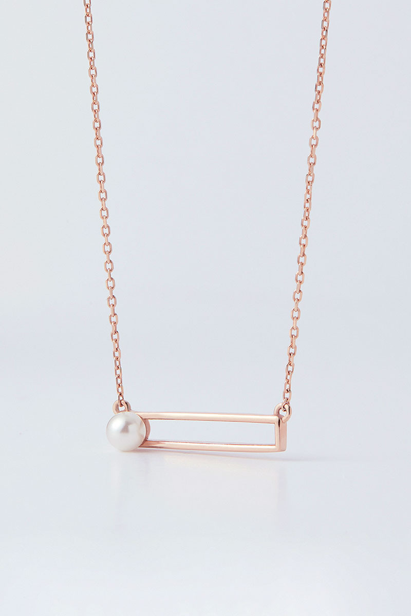 Pearl in Square Nacklace (황우슬혜 착용)